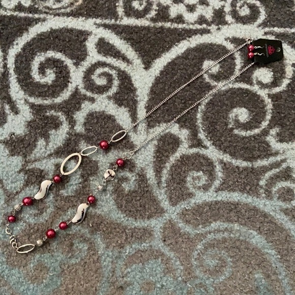 NWT&BAG Paparazzi earring and long necklace set.